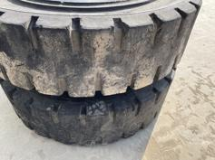 1000 x 20 SOLID TYRES-901913