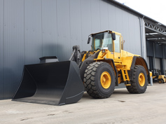 Picture of VOLVO L180E NEW BUCKET, NEW TYRES!