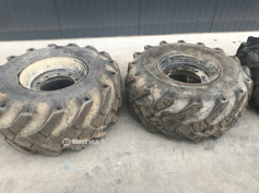 Picture of  used 18-19.5 tires 30%