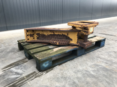 Picture of CATERPILLAR DRAWBAR FOR D6N / D6M