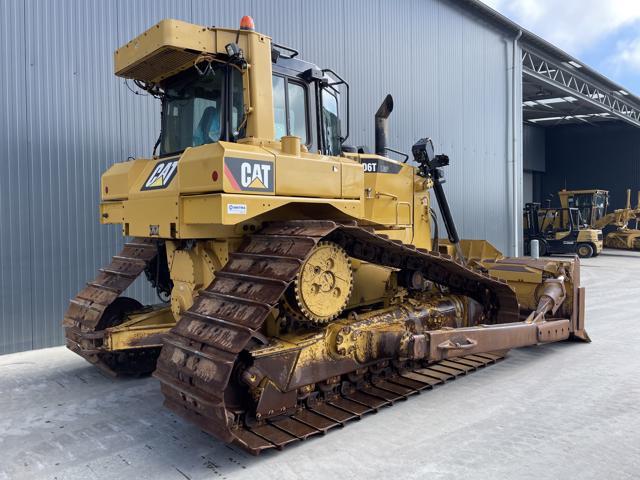 Caterpillar-D6T LGP-2014-182416