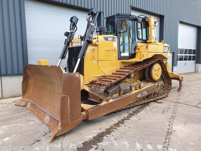 Caterpillar — D6T XL