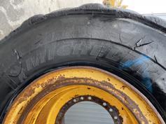 Michelin-875 / 65R29-2021-902013