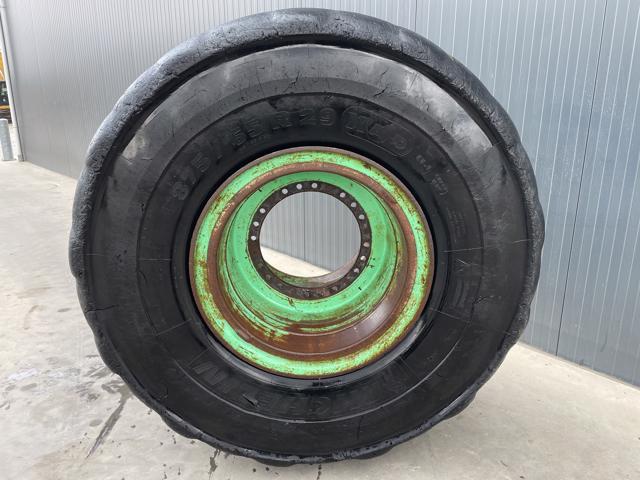 Michelin-875 / 65R29-902014