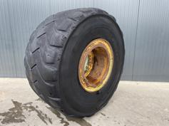 Michelin-875 / 65R29-902015
